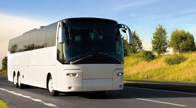 Autocarul - un mijloc ieftin de a ajunge in vacanta mult dorita
