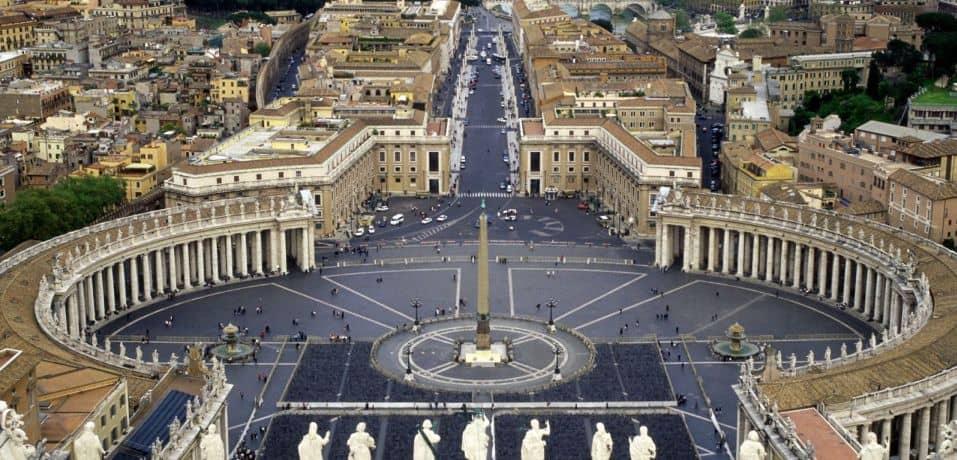 Noi speculatii legate de faptul ca Vaticanul a intrat in faliment